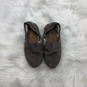 Grey Toms Size 6